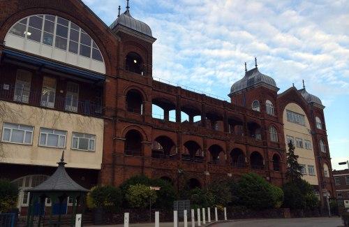 Whipps_Cross_Hospital_old_building